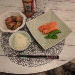 ホットクックで作ったイカと里芋の煮込みとサーモンのお刺身